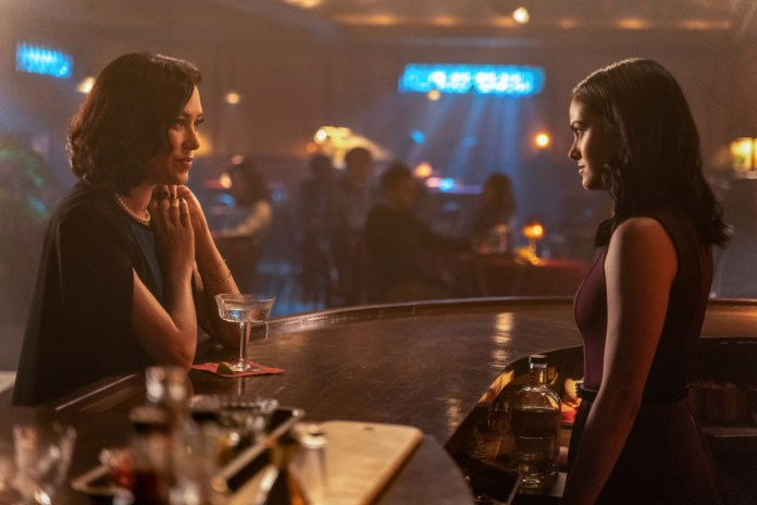 The Mystery Woman confronts Veronica on Riverdale