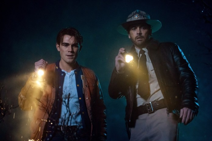 Archie and Skeet search for Jughead on Riverdale